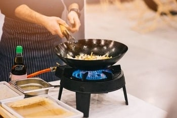 Top 5 Wok Burners – What to Use for Cooking in 2020?